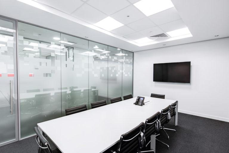 Splacing: Blog - Diseño de oficinas: ¿para qué sirve un falso techo?